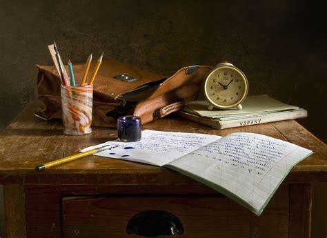 bureau d orientation image libre sac en bois écrire livre horloge bureau