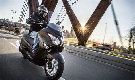 Suzuki Burgman 200 Abs  Test Su Strada  Motorage New