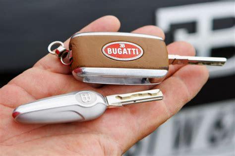bugatti car key die bugatti fahrschule autobild de