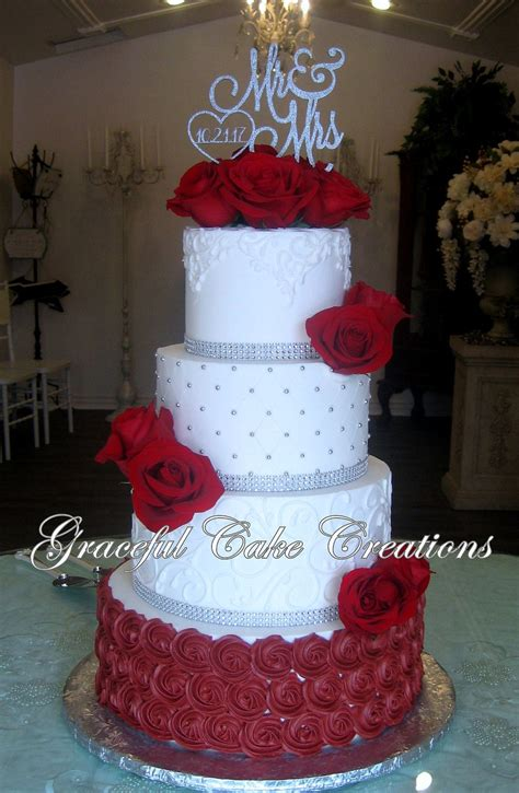 Elegant White Butter Cream Wedding Cake With Burgundy