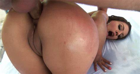Gorgeous Student Hitchhiker Kimmy Granger Enjoys A Firsttime Cock
