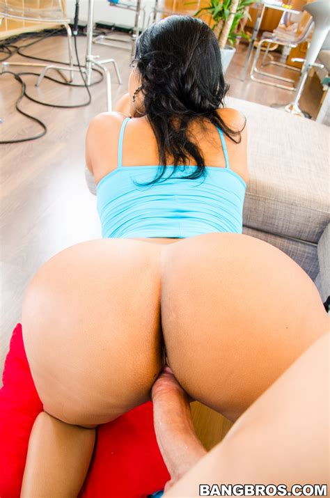 Big Ass Latina Is Having Sex Milf Fox