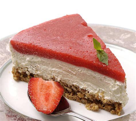 recette dessert au fraise recette cheesecake au citron vert et aux fraises gariguettes desserts