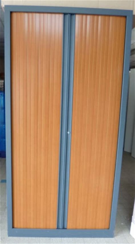 armoire de bureau d occasion occasion mobiliers de bureau armoires à rideaux d 39 occasion