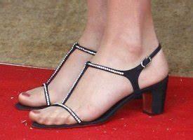 Carla Bruni Back In Black For G8 Dinner On Thursday (PHOTOS)