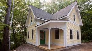900 Sq Ft House