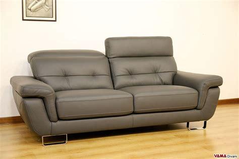 divano moderno  posti grigio  vera pelle  occasione