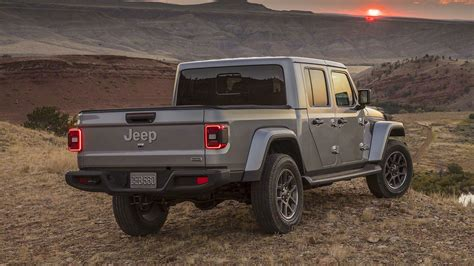 2020 jeep gladiator and info motor illustrated