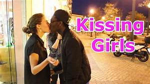 Kissing Girls