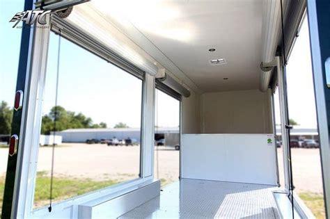 roll  door gooseneck trailers mo great dane trailers