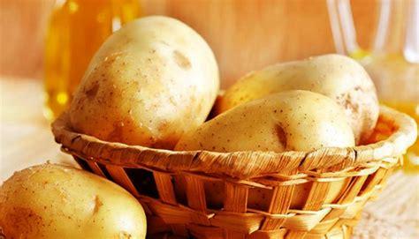 manfaat masker kentang yang bagus untuk kecantikan kulit wajah
