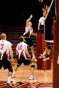 Winnipeg men's volleyball drop two matches to UBC ...