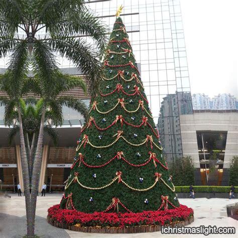 outdoor decorated big christmas trees ichristmaslight