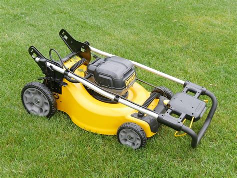 dewalt  lawn mower review tools  action power