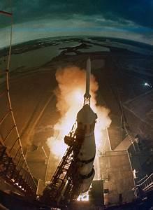 Apollo 14 moonwalker Edgar Mitchell dies at 85 ...
