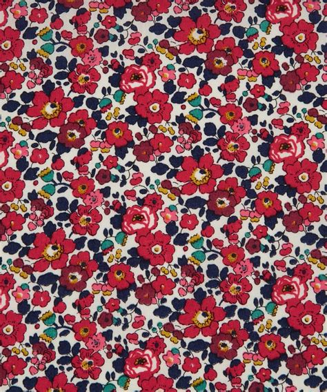 Liberty Print Upholstery Fabric by Best 25 Floral Fabric Ideas On Create Your
