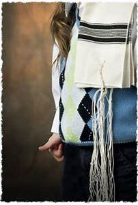 Daily Calendar Of Holidays How To Put On A Tallit Or Tzitzit Blessings And