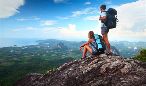 3 Easy Ways To Travel The World If You're Penniless But