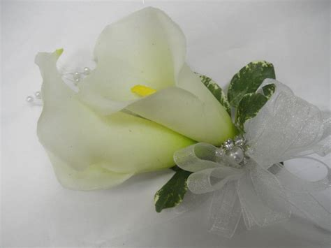calla lily wrist corsages wrist corsage pinterest