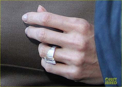 angelina jolie engagement ring at roosevelt hotel photo