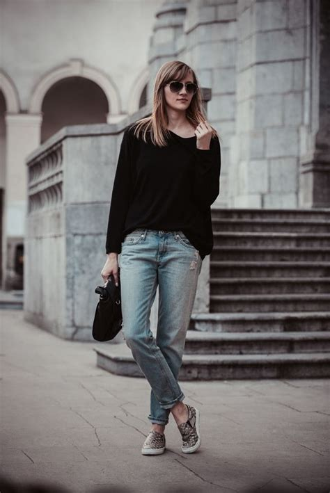 How to Wear Slip-On Sneakers via a Nashville Image Consultant