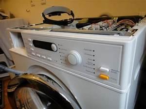 Machine à Laver Qui Sent Mauvais : comment enlever le dessus d une machine a laver nous quipons la maison avec des machines ~ Medecine-chirurgie-esthetiques.com Avis de Voitures