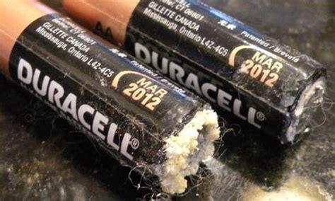 alkaline batteries clean    alkaline battery leak