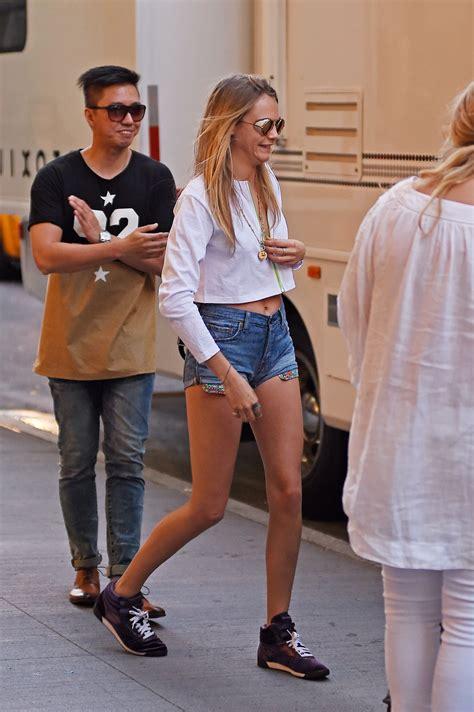 delevingne  jeans shorts  gotceleb