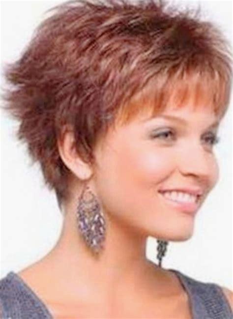 coiffure femme cheveux court modele coiffure femme 50 ans source d inspiration coupe de