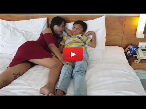 Download Lagu Video Sedang Viral Tante Vs Keponakan Main