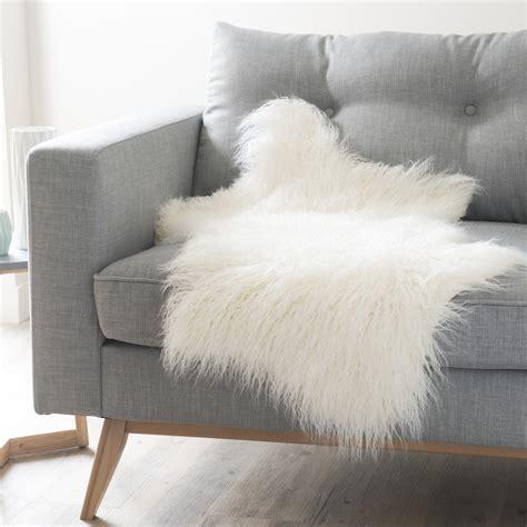plaids fausse fourrure pour canapé jeté en fausse fourrure blanche 50 x 90 cm furis maisons