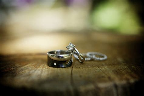 don t buy titanium or tungsten wedding bands