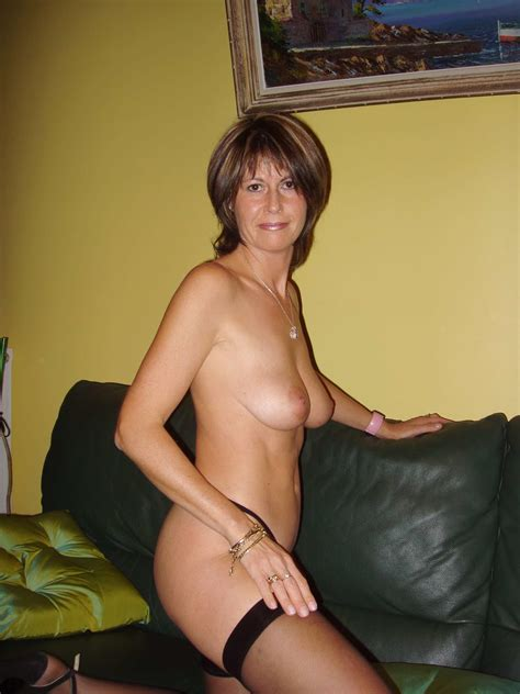 Hot Mom Great Body Real Amateur Picture 14 Uploaded By