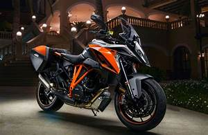 Ktm 1290 Super Duke Gt : 2017 ktm 1290 super duke gt first ride review ~ Medecine-chirurgie-esthetiques.com Avis de Voitures