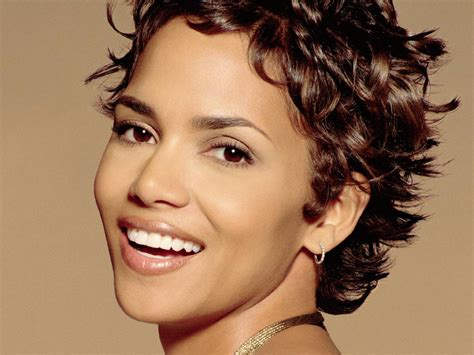 22+ Stunning Photos Selection Halle Berry