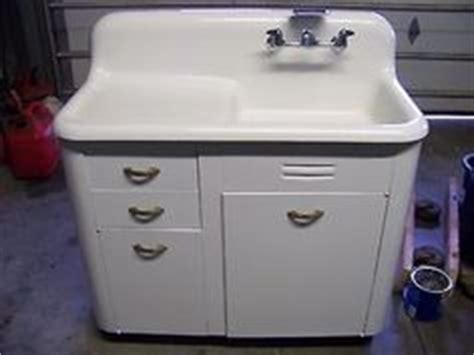 kitchen sink with backsplash and drainboard 1000 images about antique sinks on sinks 9583