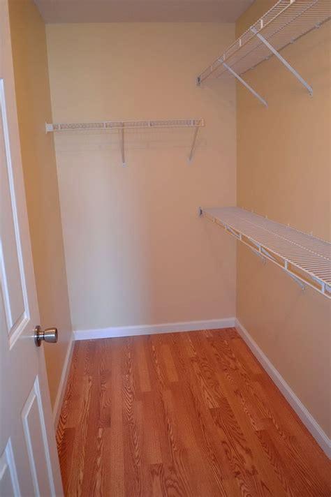 ideas standard closet dimensions  minimum dressing