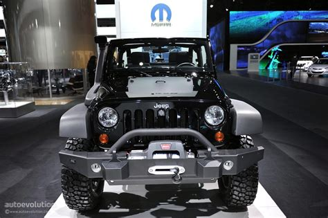 call of duty jeep white 2011 naias jeep wrangler call of duty black ops edition