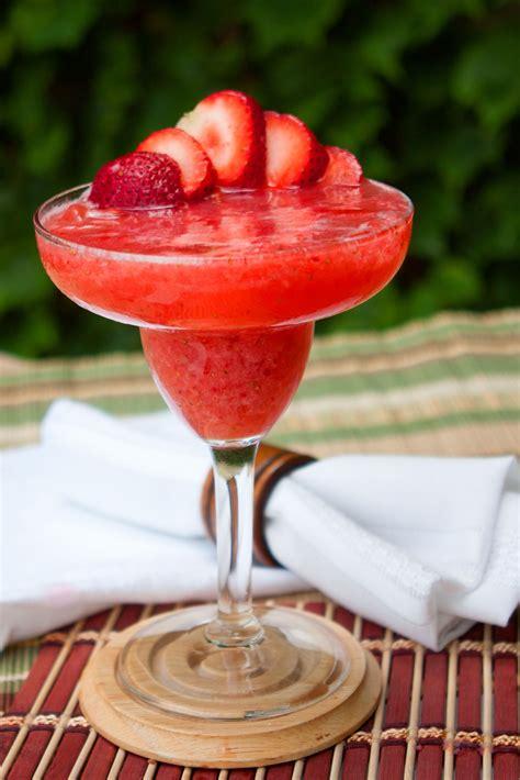 how to make a daiquiri frozen or shaken how to make a strawberry daiquiri