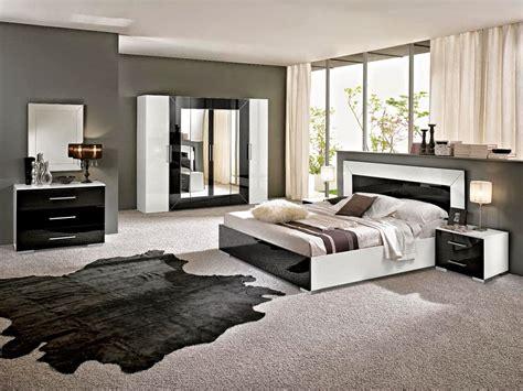 chambre noir blanc dco moderne chambre adulte ides dco chambre decoration
