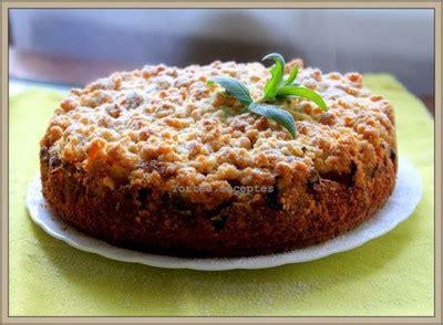 Rabarberu-ābolu drupačkūka - Augļu kūkas un pīrāgi - Piektdienas saldumi - Raksti - 5 piektdienas