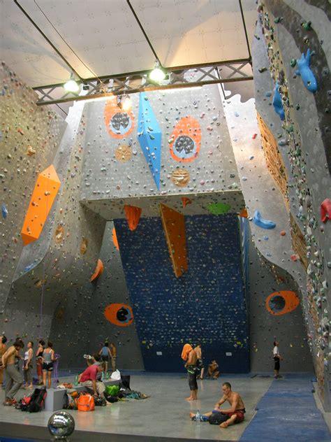salle d escalade grenoble salle d escalade espace vertical ev2 224 martin d