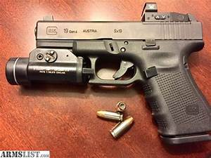 ARMSLIST - For Sale: Glock 19 gen 4 mos with extras
