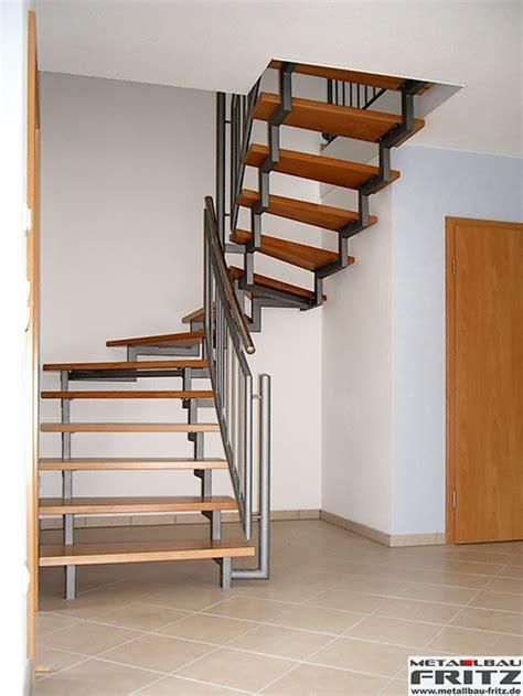 1 2 gewendelte treppe holm treppe innen 10 01