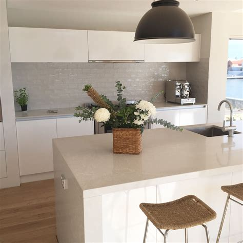 water coastal kitchen never without a hitch kitchens house 3358