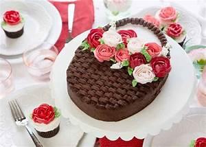 Mothers Day Cake - i am baker