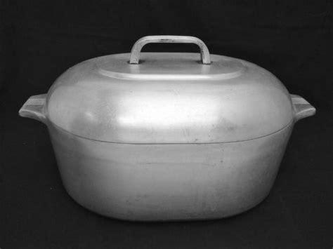 vintage cast aluminum ware  cast iron collector information   vintage cookware