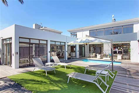 5 Bedroom Houses For Sale by 5 Bedroom House For Sale Sunset Cape Town