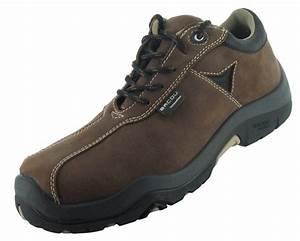Comment Nettoyer Des Chaussures En Nubuck : protection chaussures nubuck ~ Melissatoandfro.com Idées de Décoration