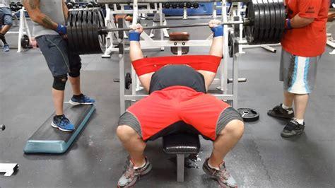 slingshot bench press robert oberst 585lb bench with slingshot for 3 reps